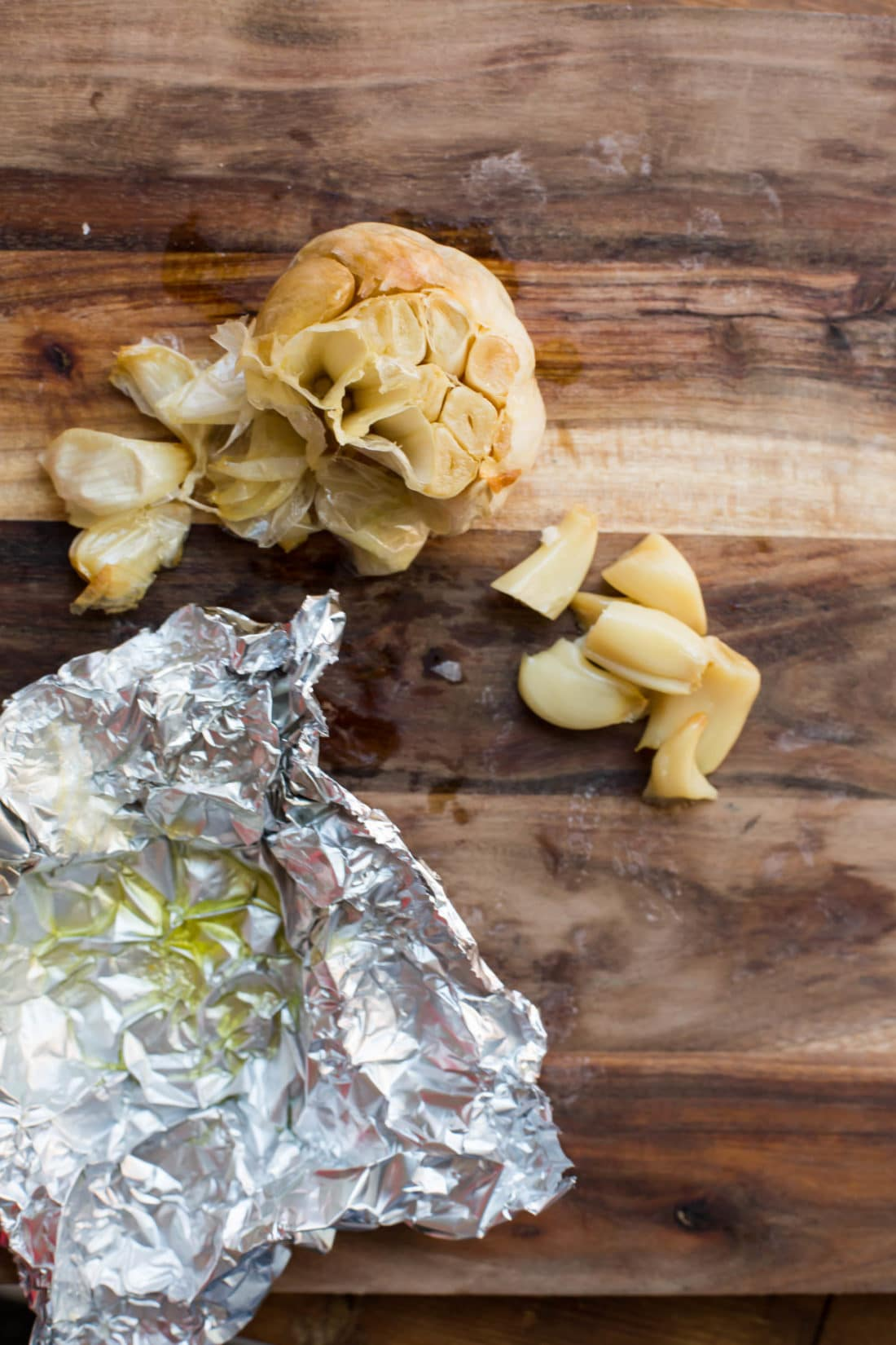 How to Make Perfect Roasted Garlic / Sarah Crowder / Katie Workman / themom100.com