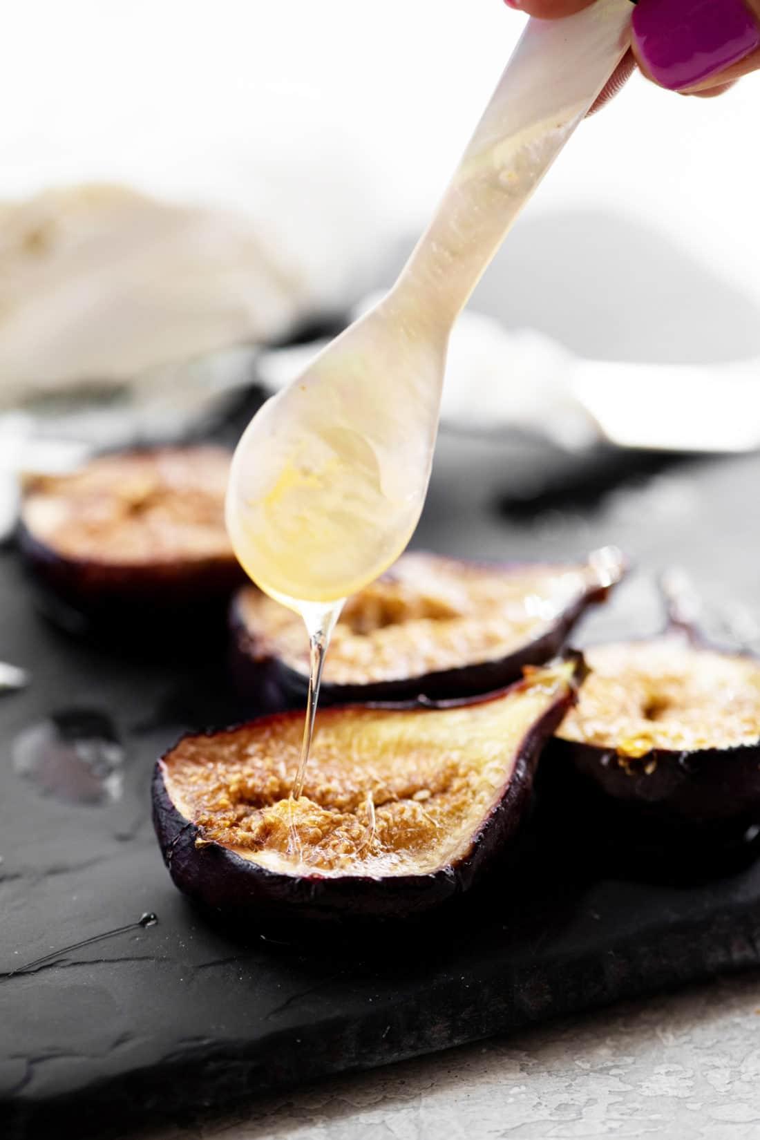 Baked Figs Recipe / Katie Workman / themom100.com / Photo by Cheyenne Cohen