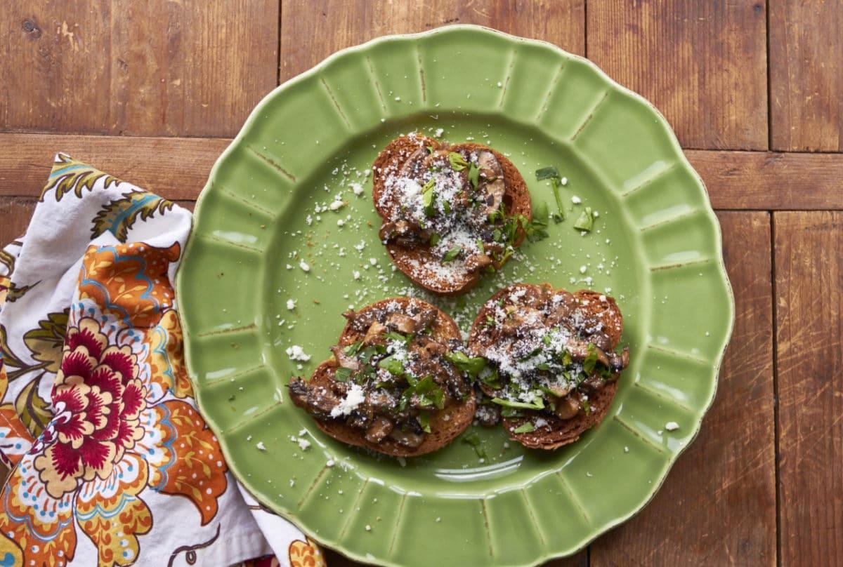 Creamy Mushrooms with Marsala Crostini / Mia / Katie Workman / themom100.com