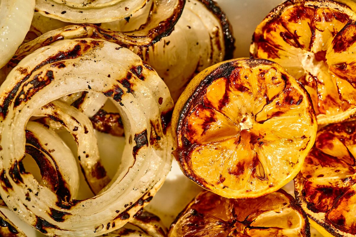 Grilled onions and lemons