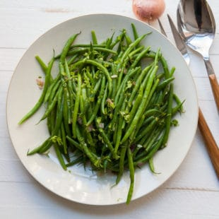 Haricot Verts with Chervil Vinaigrette / Carrie Crow / Katie Workman / themom100.com
