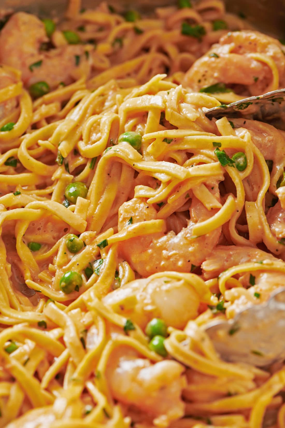 Fresh Linguine with Shrimp and Peas in a Pink Cream Sauce