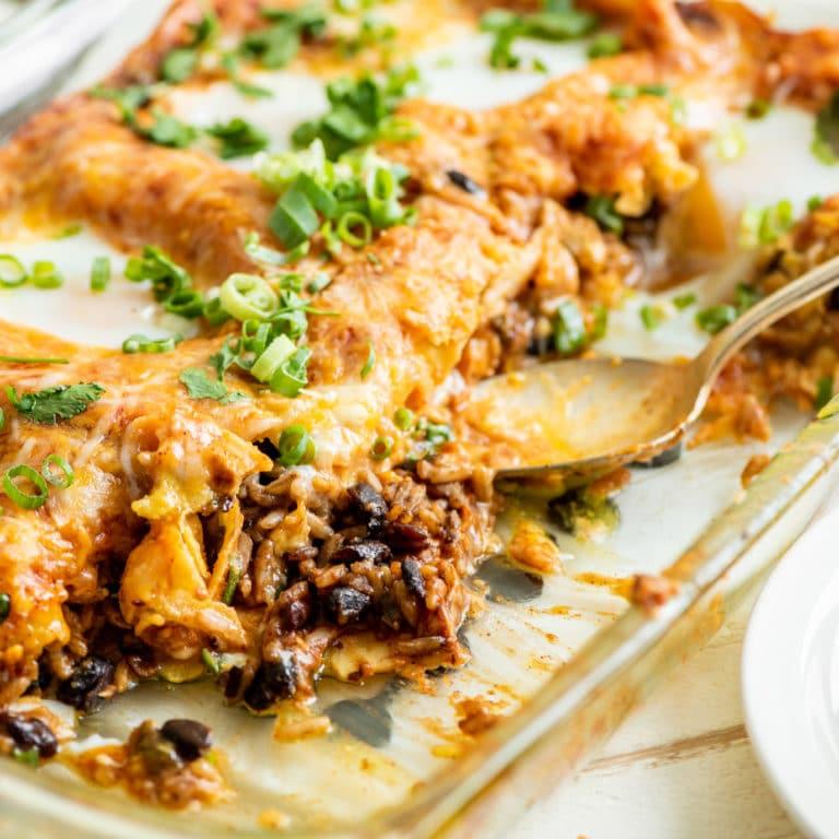 Huevos Rancheros Breakfast Casserole / Katie Workman / themom100.com / Photo by Cheyenne Cohen
