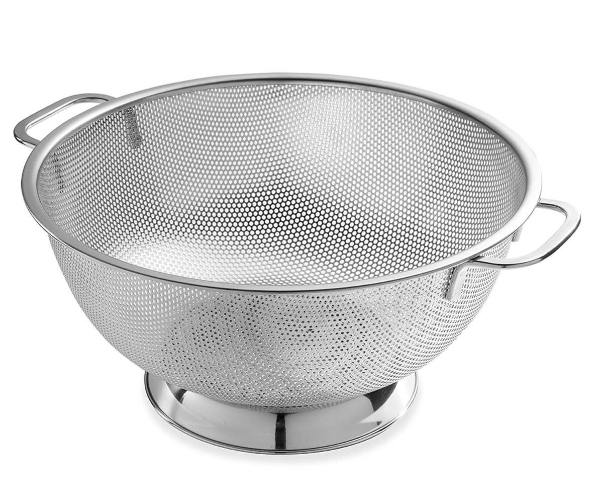 Bellemain Micro-perforated Stainless Steel 5-quart Colander-Dishwasher Safe / amazon.com