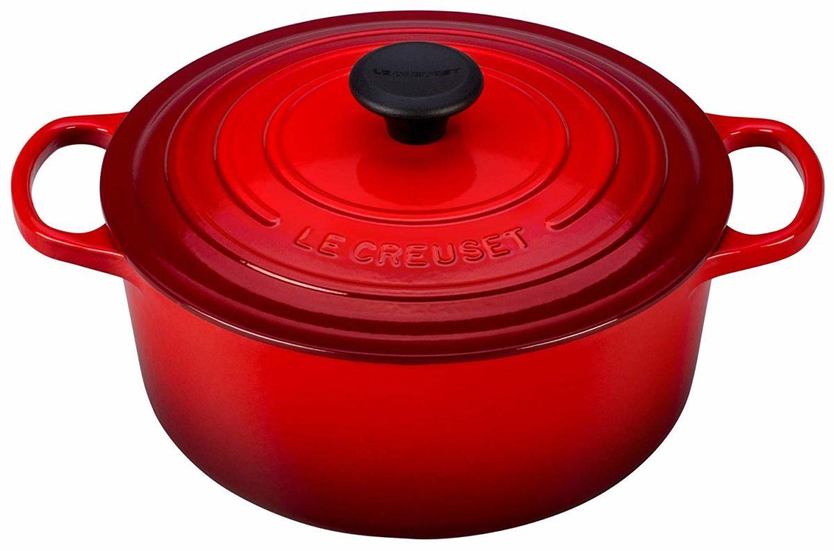 Le Creuset Signature Enameled Cast-Iron 5-1/2-Quart Round French (Dutch) Oven, Cerise (Cherry Red) / amazon.com
