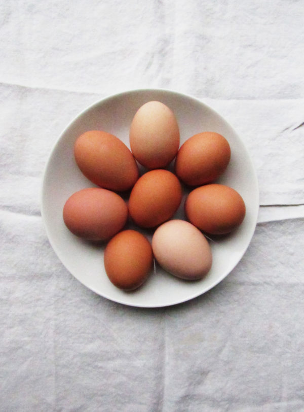 Should you peel hard boiled eggs warm or cold?