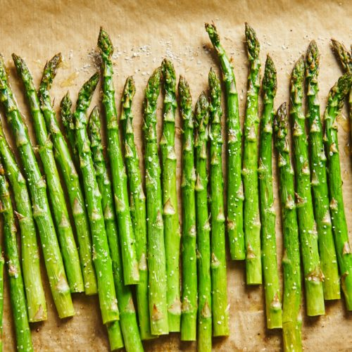 How To Roast Asparagus Easy Roasted Asparagus The Mom 100