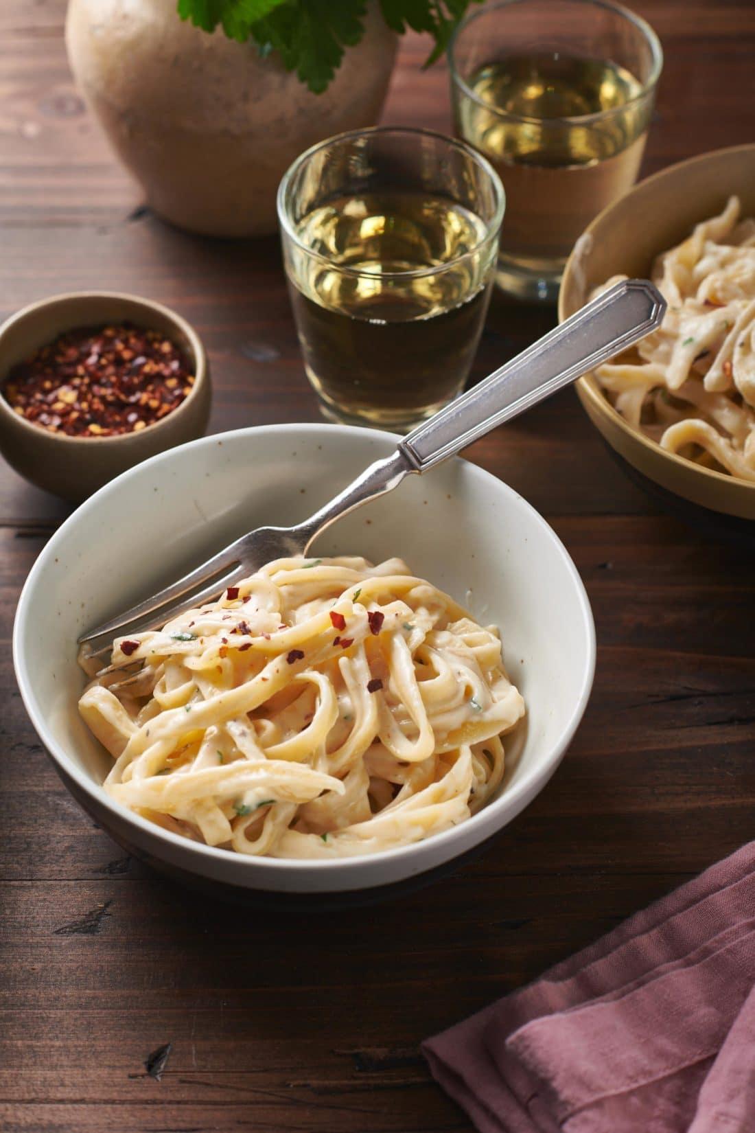 Easy Creamy Fettucine Alfredo