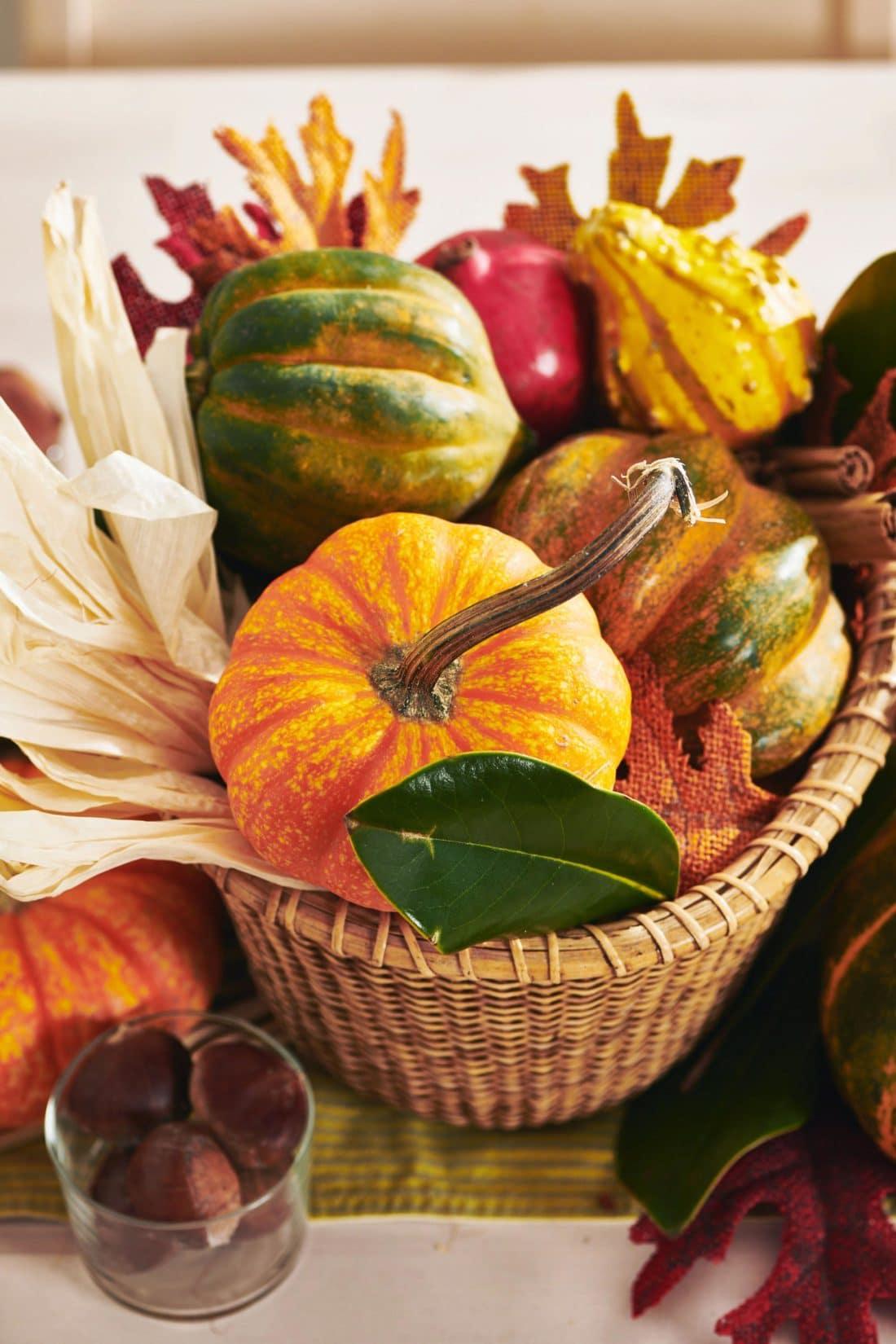 How to Make A DIY Thanksgiving Centerpiece