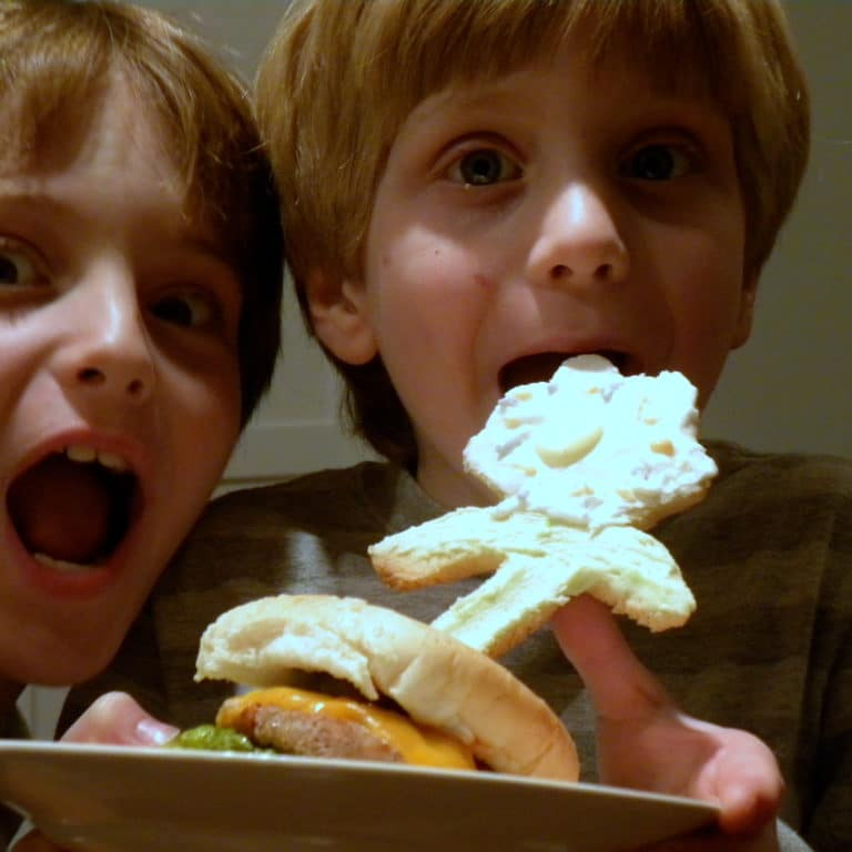 5 Basic Tips for Getting Your Kids to Eat More Things