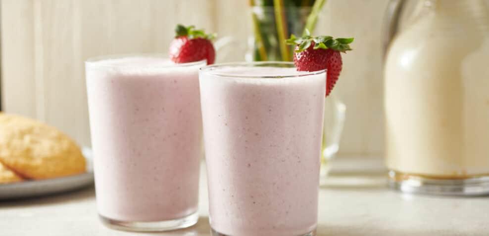 How to Make a Strawberry Milkshake