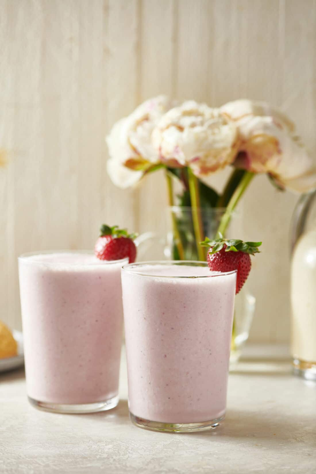 How to Make a Strawberry Milkshake