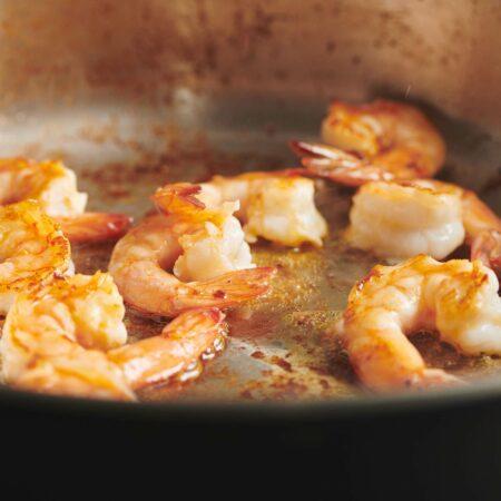 How to Sauté Shrimp on the Stove
