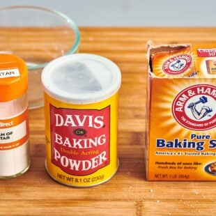 How to Substitute Baking Soda and Baking Powder
